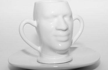 Tasse in Form eines Gesichts