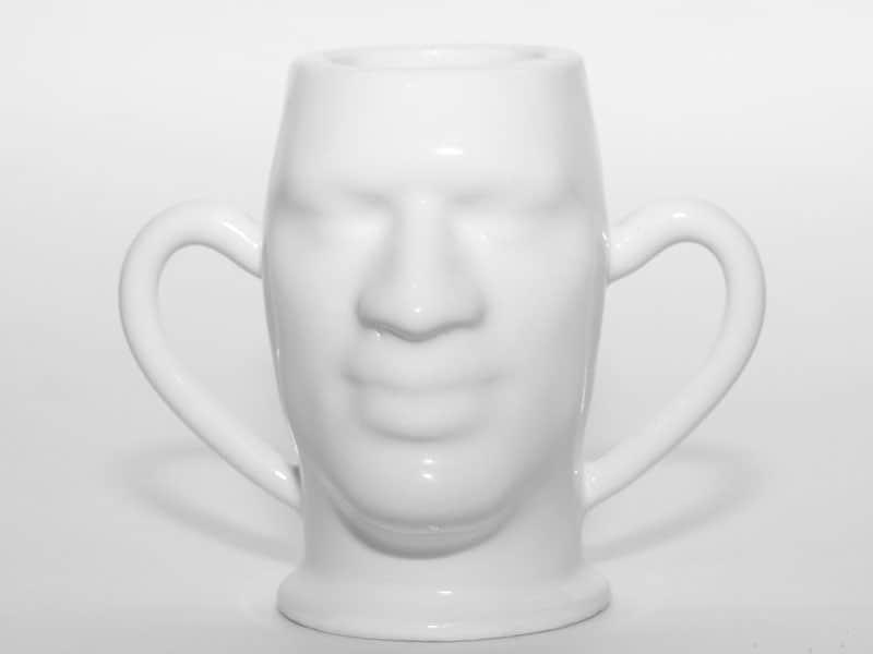 Tasse von Vorne aus Keramik